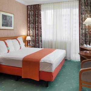 HOLIDAY-INN-room-SKOPJE