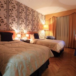 HOTEL-INTERNATIONALA-ALBANIA---room